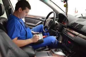 Фото процедуры чип-тюнинга BMW F30, adact2.ru