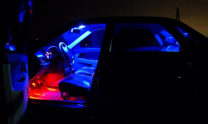 Подсветка машины с помощью диодных лент