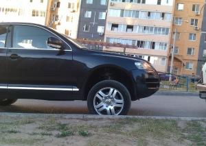 На фото - пневмоподвеска Туарег, drive2.ru