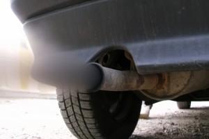 Фото выброса вредных примесей, driverside.com