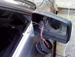 Фото проверки проводов и клемм электропривода бокового зеркала, drive2.ru