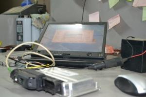 На фото - обновление прошивки ЭБУ двигателя, drive2.ru
