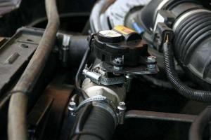 На фото - установка газотурбины на УАЗ Патриот, rusotuning.ru