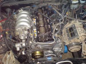На фото - инжекторный двигатель ВАЗ 21074, infomycar.ru