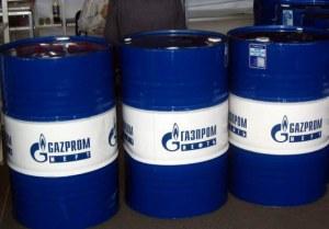 Фото хранения бензина в специальных бочках, drive2.ru