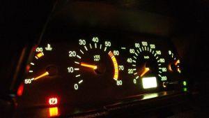 На фото - тюнинг подсветки панели приборов ВАЗ 2110, лада2111.рф