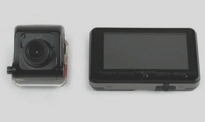 На фото - автовидеорегистратор Avtovision Omega