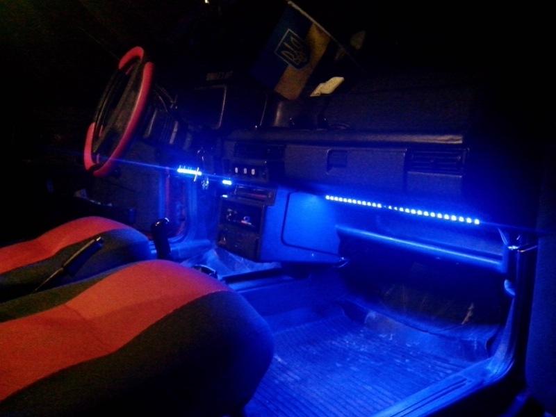 Фото светодиодной подсветки салона авто