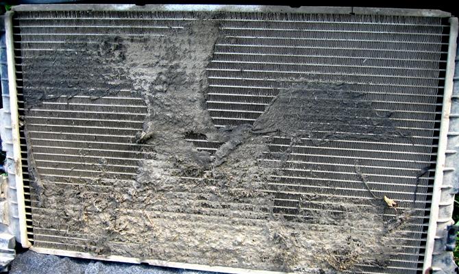 Грязный радиатор ВАЗ 2114