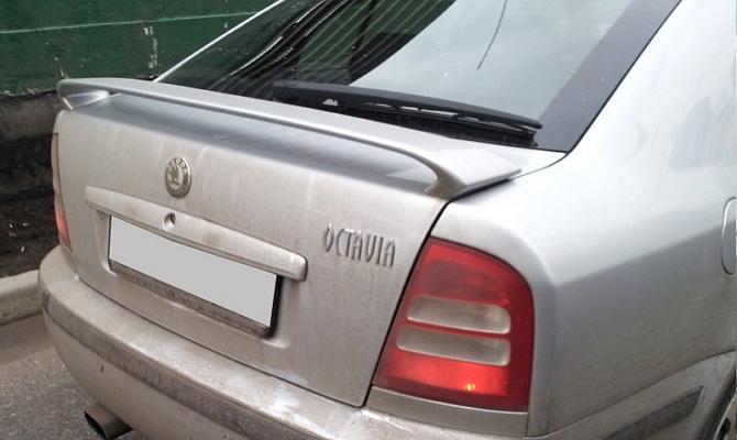 Замена задней щетки стеклоочистителя Skoda Octavia A7 Тур