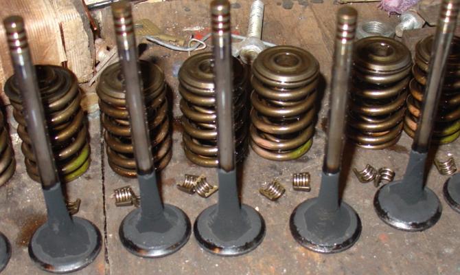 Замена клапанных пружин