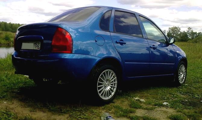 Лада Калина с синим кузовом