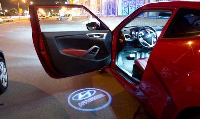 Лазерное шоу от дверцы авто
