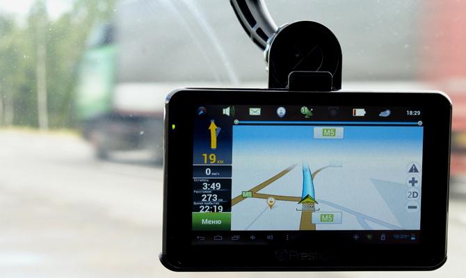 Качественный дисплей современного навигатора авто