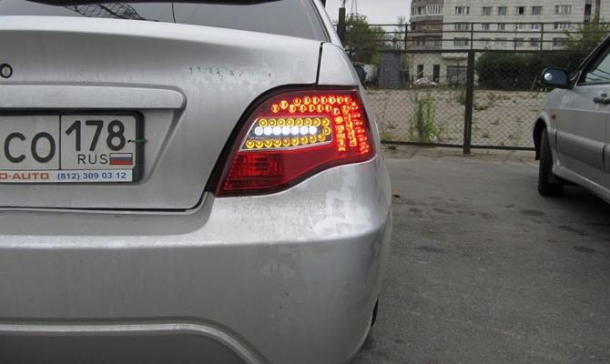 Задние фонари Daewoo Nexia с неоновыми лампами