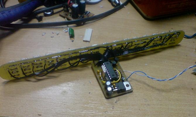 Микроконтроллер дополнительного стоп-сигнала