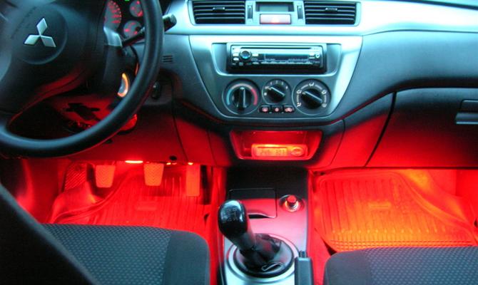 Подсветки для ног в салоне машины