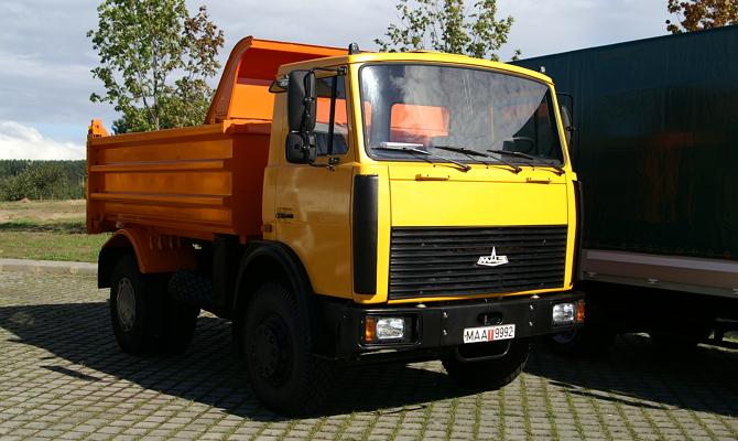 МАЗ 5551 с усиленной подвеской и дизельным двигателем