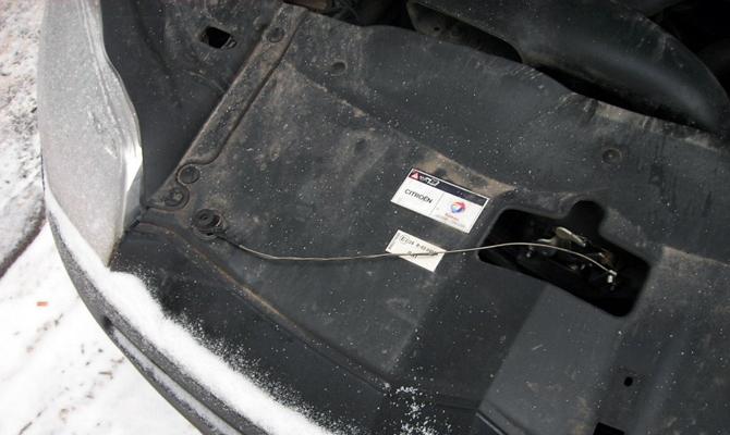 Обрыв троса замыкающего устройства ВАЗ 2107