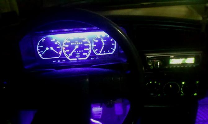 Яркая подсветка панели приборов ВАЗ 2109