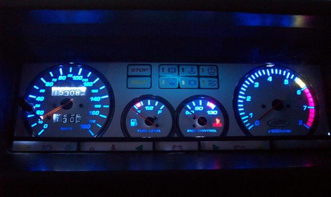 Доработка приборного щитка флуоресцентной краской