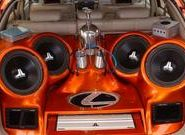 Автомобильный сабвуфер – мощный звук поможет скоротать дорогу!
