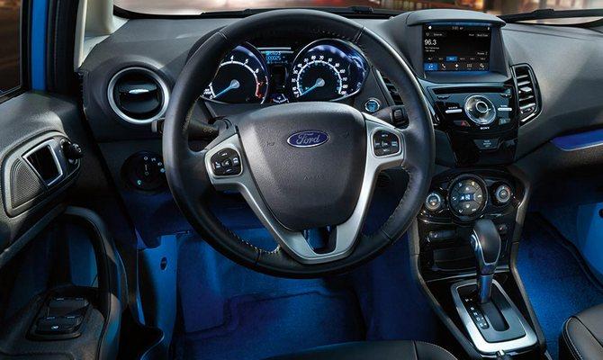 Новое освещение в салоне Форд – простой принцип и яркий результат