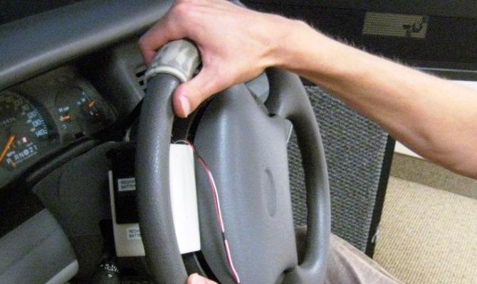 18 - Стучит руль при езде
