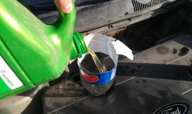 Для создания промывочных жидкостей используются самые дешевые минеральные масла с низкой смазочной способностью
