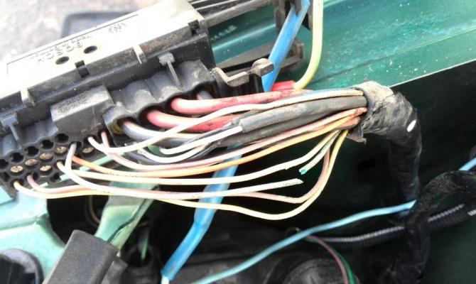 Любая из причин возникновения неполадки в спидометре сводится к проблемам в электрике