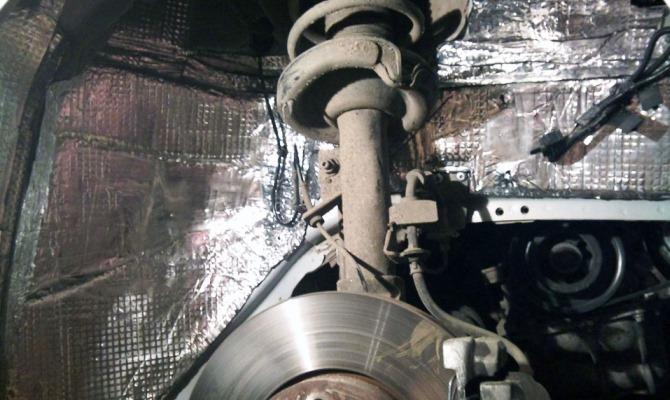 Позаботившись о шумоизоляция колесных арок, вы можете достигнуть улучшения показателей шума внутри салона автомобиля до 50 %