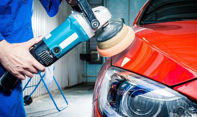 Применение полировочных средств для придания автомобилю блеска и обновленного вида