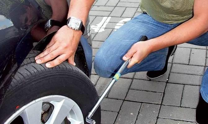Зимой не забудьте учесть внешние факторы, влияющие на давление в колесах и подкорректируйте оптимальное его значение