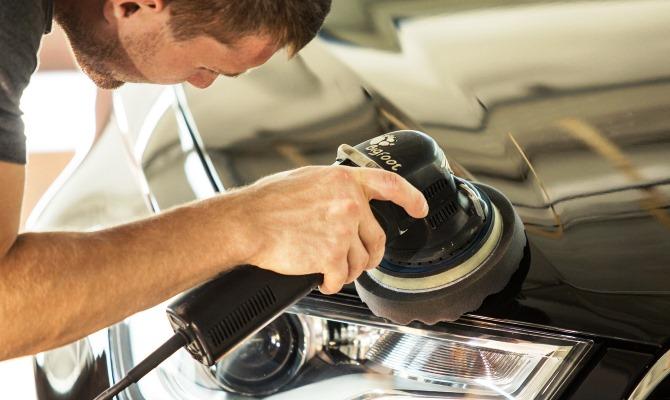 Рабочих автомобилей в идеальном состоянии не бывает, поэтому в большинстве известных случаев приходится применять глубокую полировку кузова