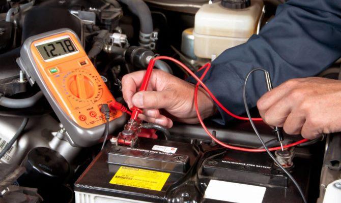 Если нет возможности самостоятельно подбирать зарядные значения, то можно обратиться за помощью к устройствам с автоматическим подбором напряжения и силы тока