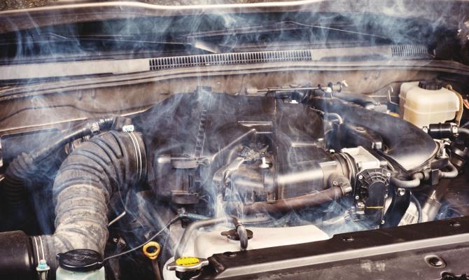 Появление моторного масла в охлаждающей жидкости — огромная головная боль для автовладельца из-за особых свойств моторных масел