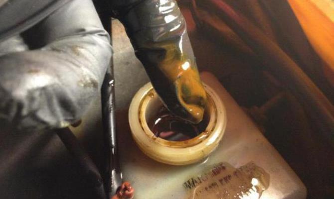 Наличие антикоррозийных свойств тормозной жидкости направлено на предотвращение коррозии на металлических поверхностях