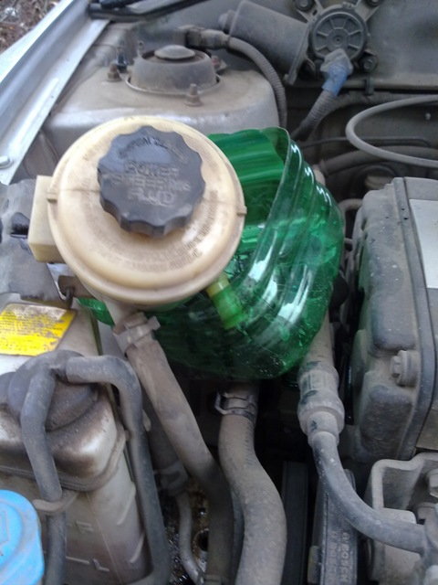 Замена жидкости в гидроусилителе руля – сколько служит масло в ГУРе, как его подобрать и заменить?