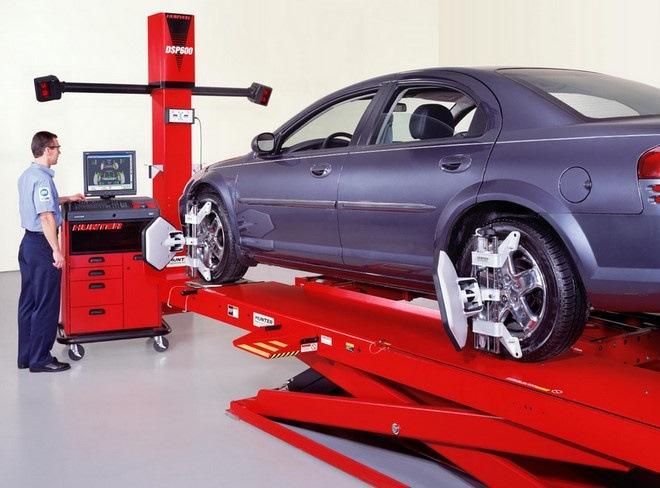 После смены резины автомобиль уводит в сторону – в чем причина и как ее устранить?
