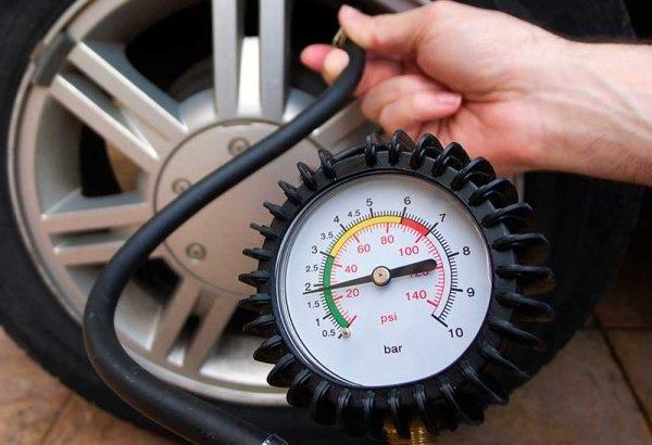 Давление в шинах автомобиля – на что влияет и как контролировать?