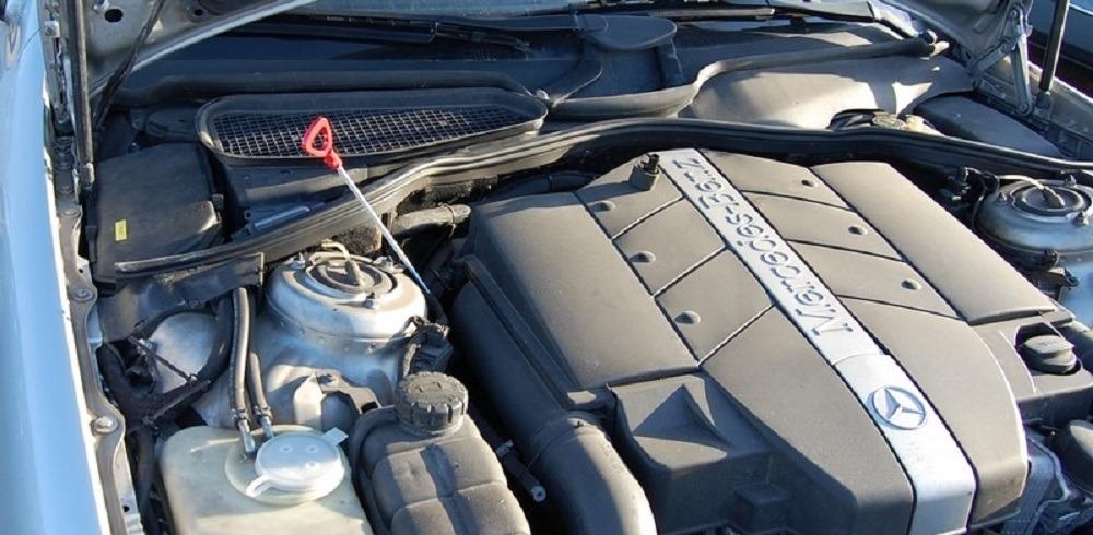 Замена масла через щуп в двигателе – используем специальное устройство с насосом