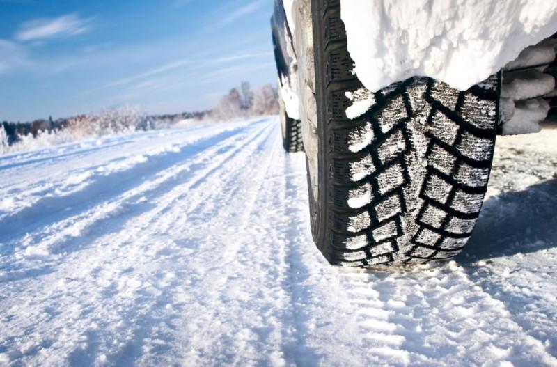 Что нужно знать о зимних колесах: узкие или широкие, с шипами или без