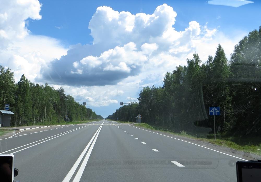 Как ехать по трассе, чтобы расход бензина был минимальным?